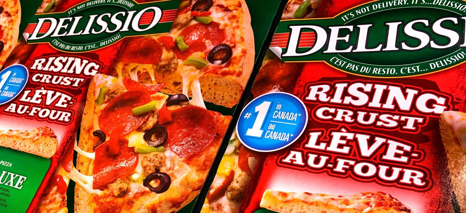 Pizza boxes with bilingual packaging in English and French